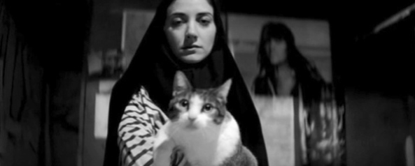 A Girl Walks Home Alone at NIght_01_a